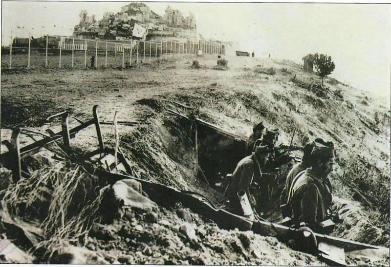 Trincheras de defensa del Cerro de los Ángeles junto al monumento del Sagrado Corazón