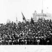 Compañía de requetés junto al monumento del Cerro de los Ángeles