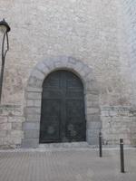 Puerta en el lateral norte de la Catedral de Santa María Magdalena